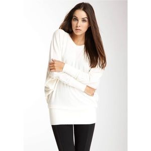 Go Couture Solid Dolman Sleeve V-Neck Sweater - M